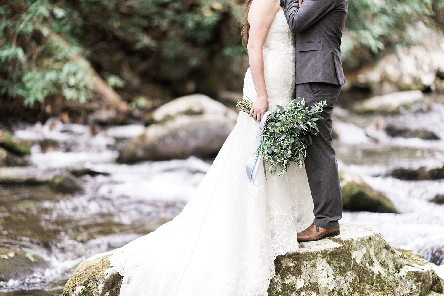 Spence Cabin Wedding Venue in the Smoky Mountains_Sarah&Josh