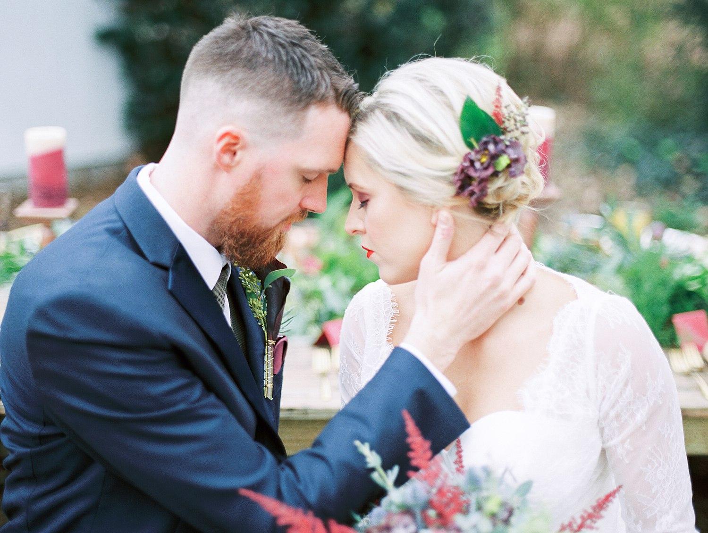 Winter Wedding :: COncord Farmhouse   Editorials
