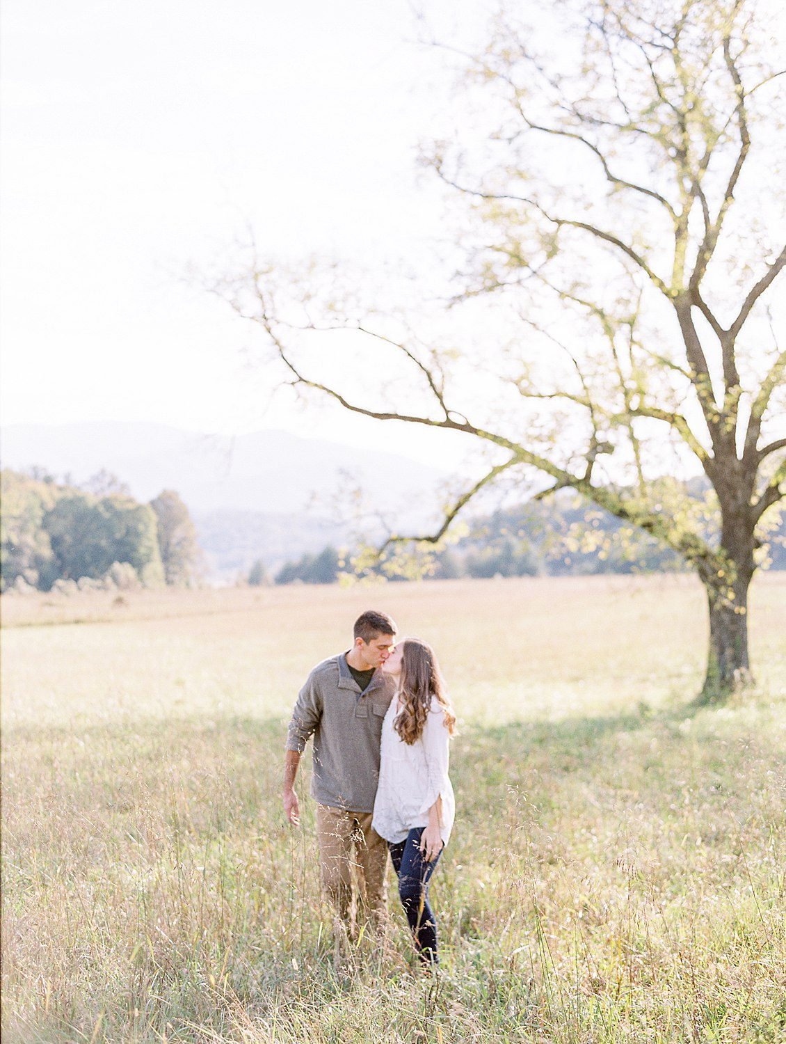engagement-cades-cove-smoky-mountain-photographer