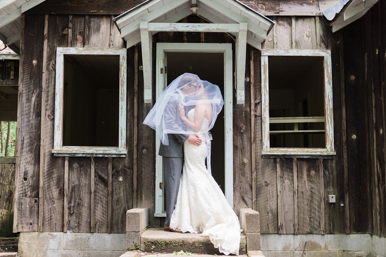 spence-cabin-wedding-at-elkmont-little-river-cabin-gatlinburg-wedding-photographer