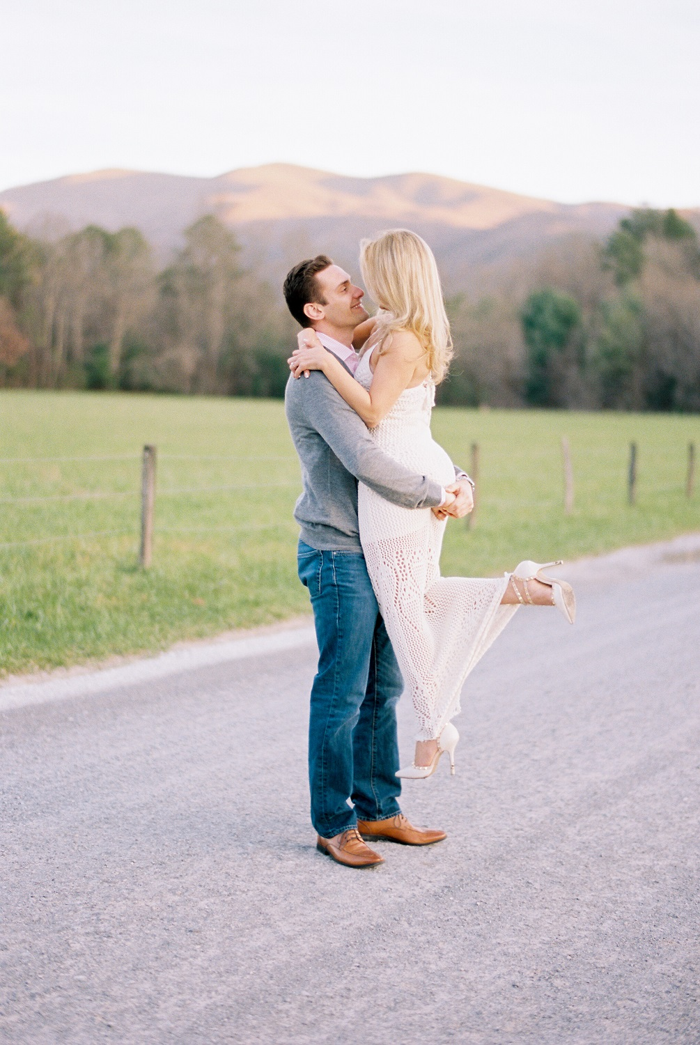 cades-cove-engagement-great-smoky-mountains