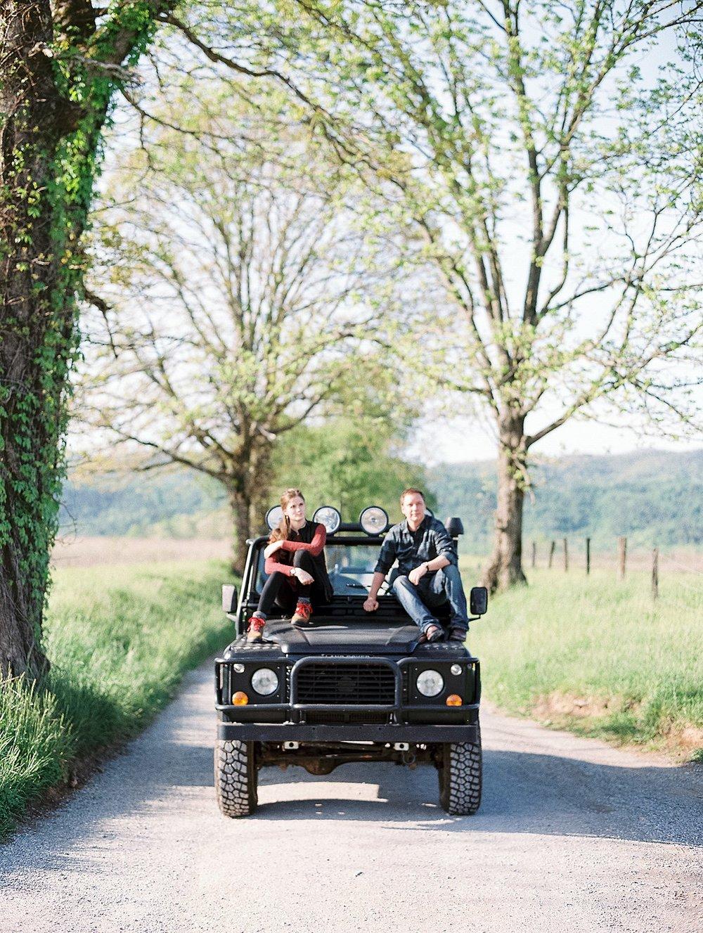 cades-cove--adventure-engagement-anne&chris