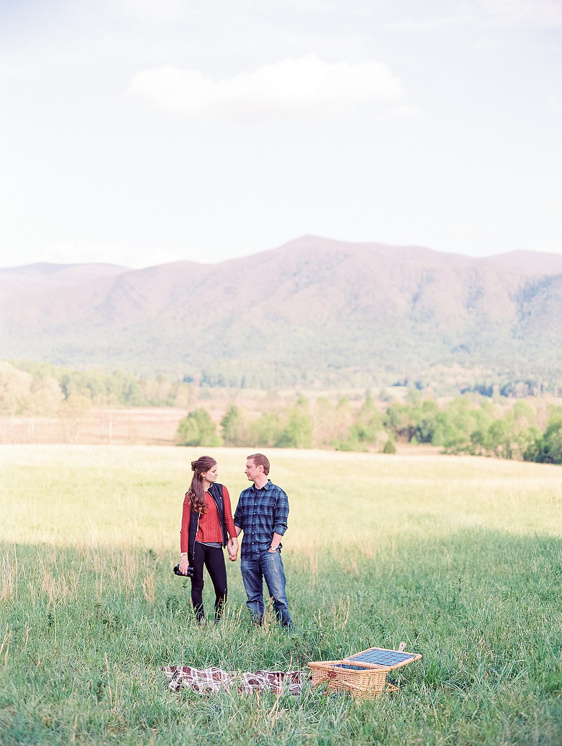 cades-cove-engagement-anne&chris-smoky-mountains
