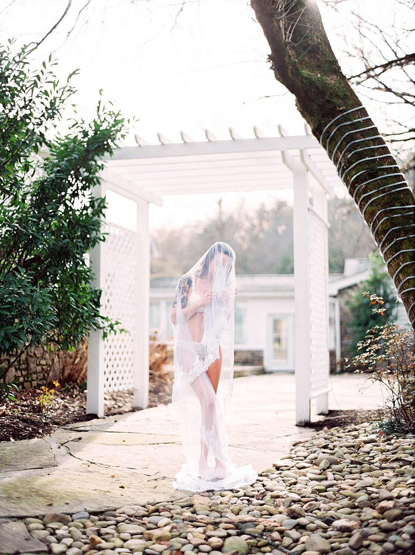 elegant outdoor boudoir photography