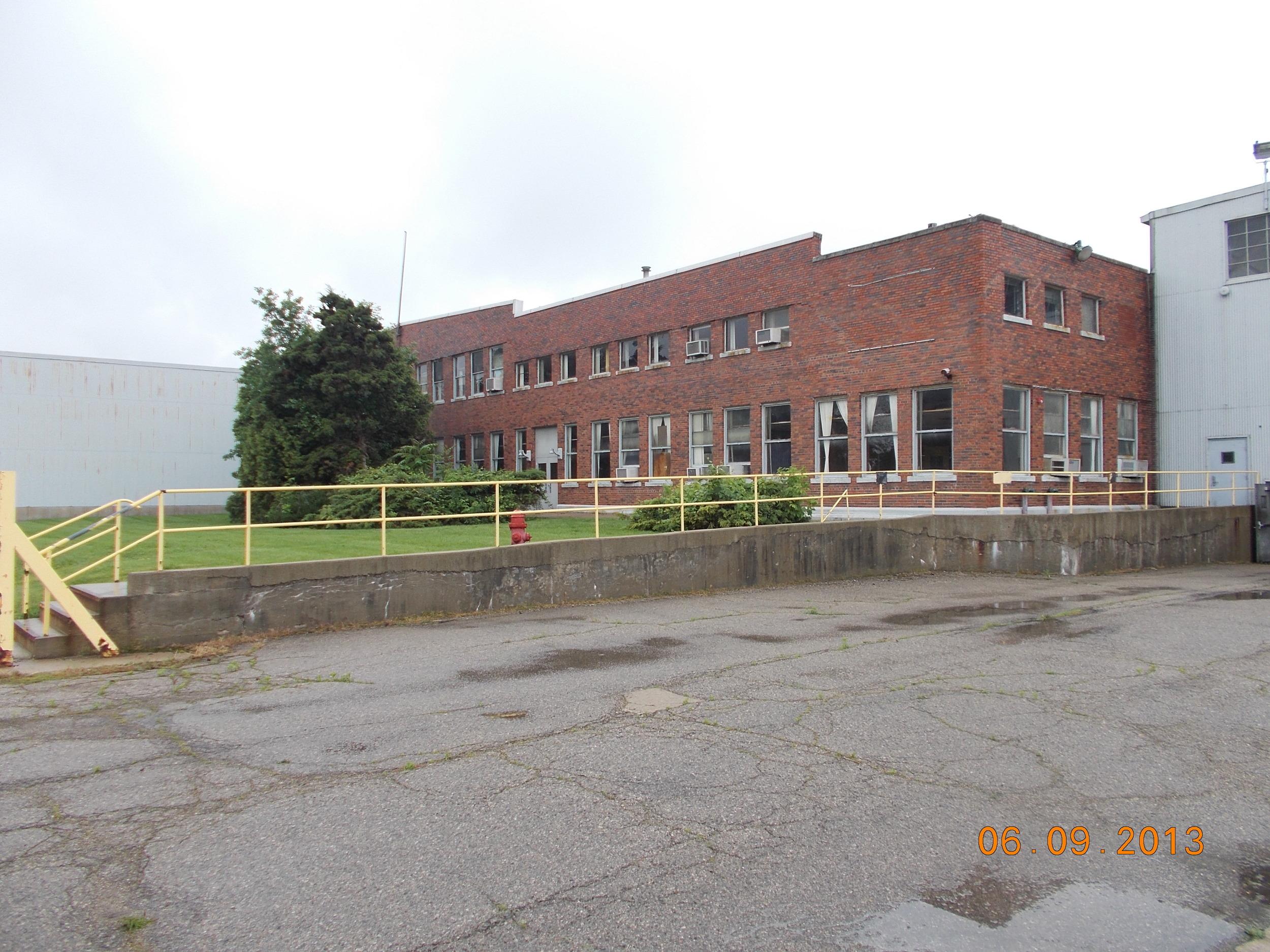 Front of Bldg -Office.JPG