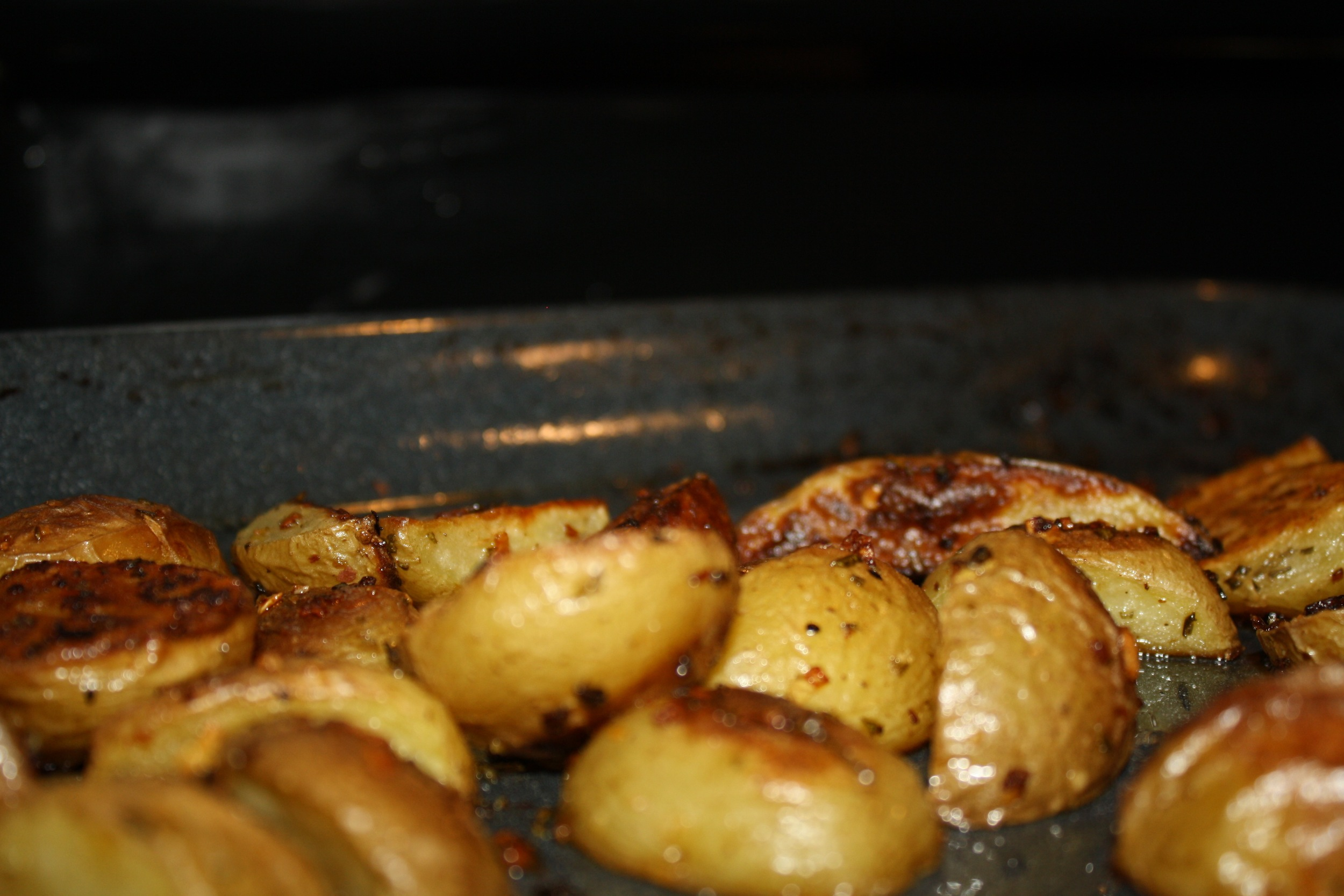 Rosemary-Garlic-Roasted-Potatoes3.jpg