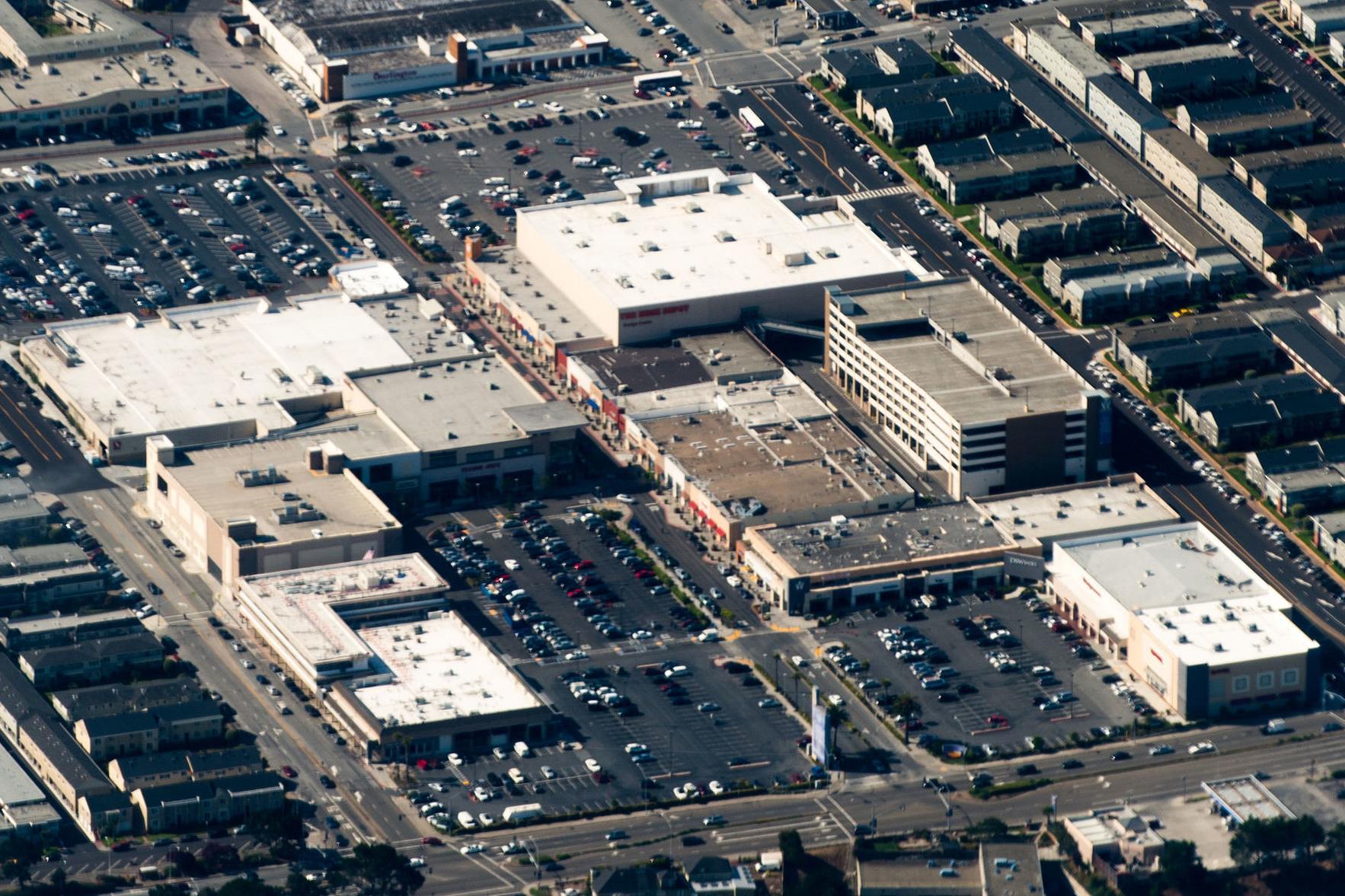 Source https://en.wikipedia.org/wiki/Westlake_Shopping_Center