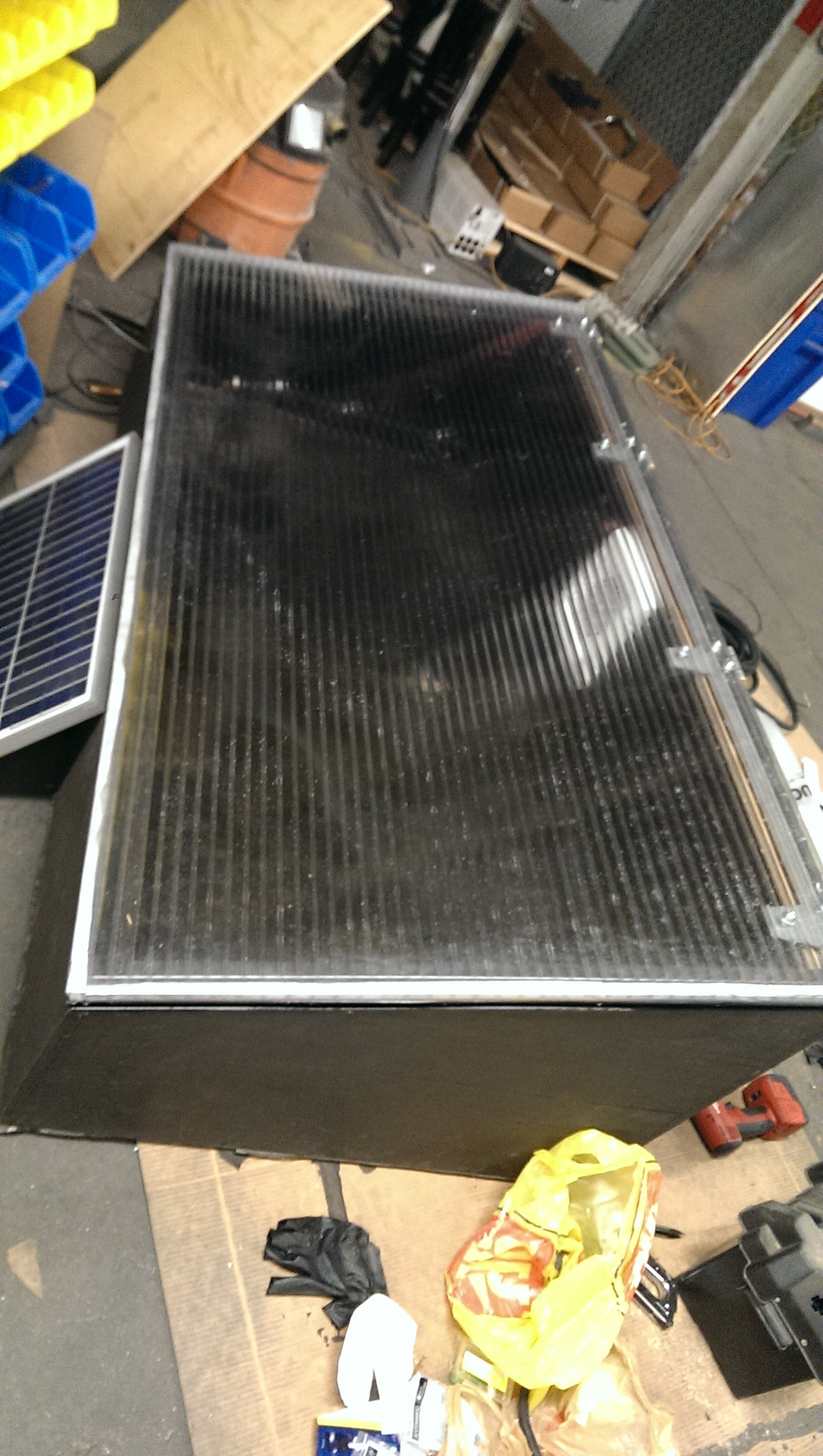 Winter Garden with Lid, Solar panel and electronics