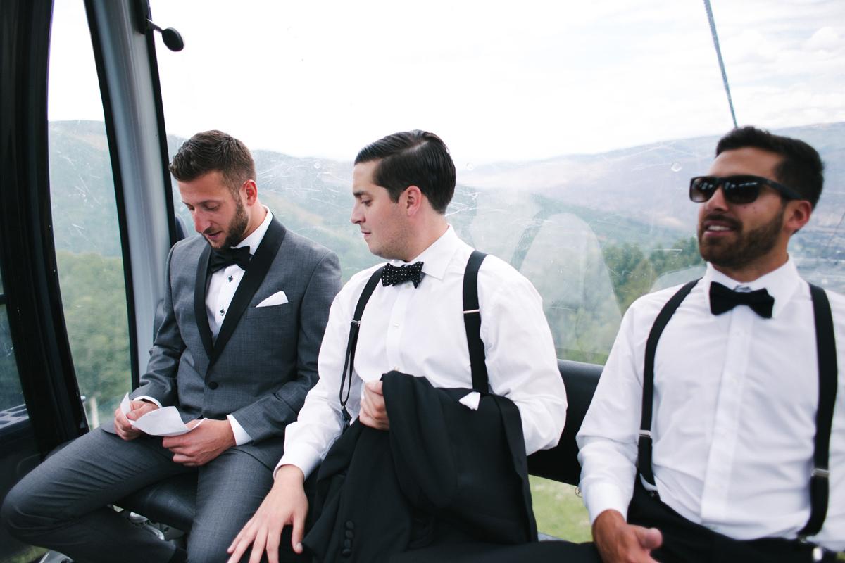 088-beaver-creek--groom--wedding-photo--gondola--groomsmen.jpg