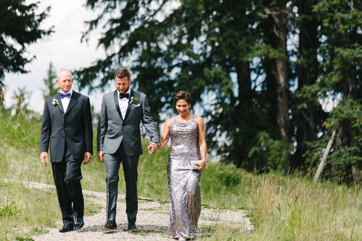 104-beaver-creek--groom--wedding-processional--family.jpg