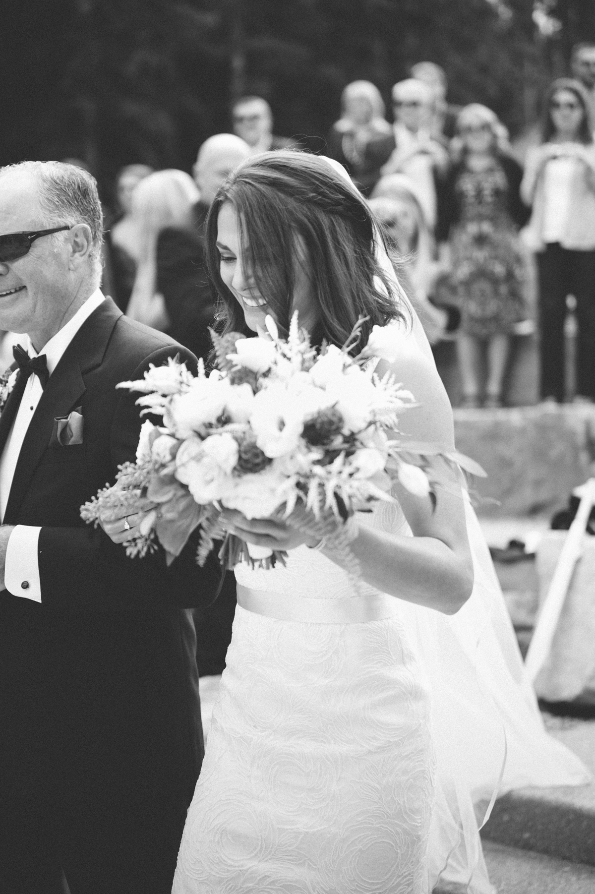 124-beaver-creek--bride--wedding-processional--dad--wedding--black-and-white.jpg