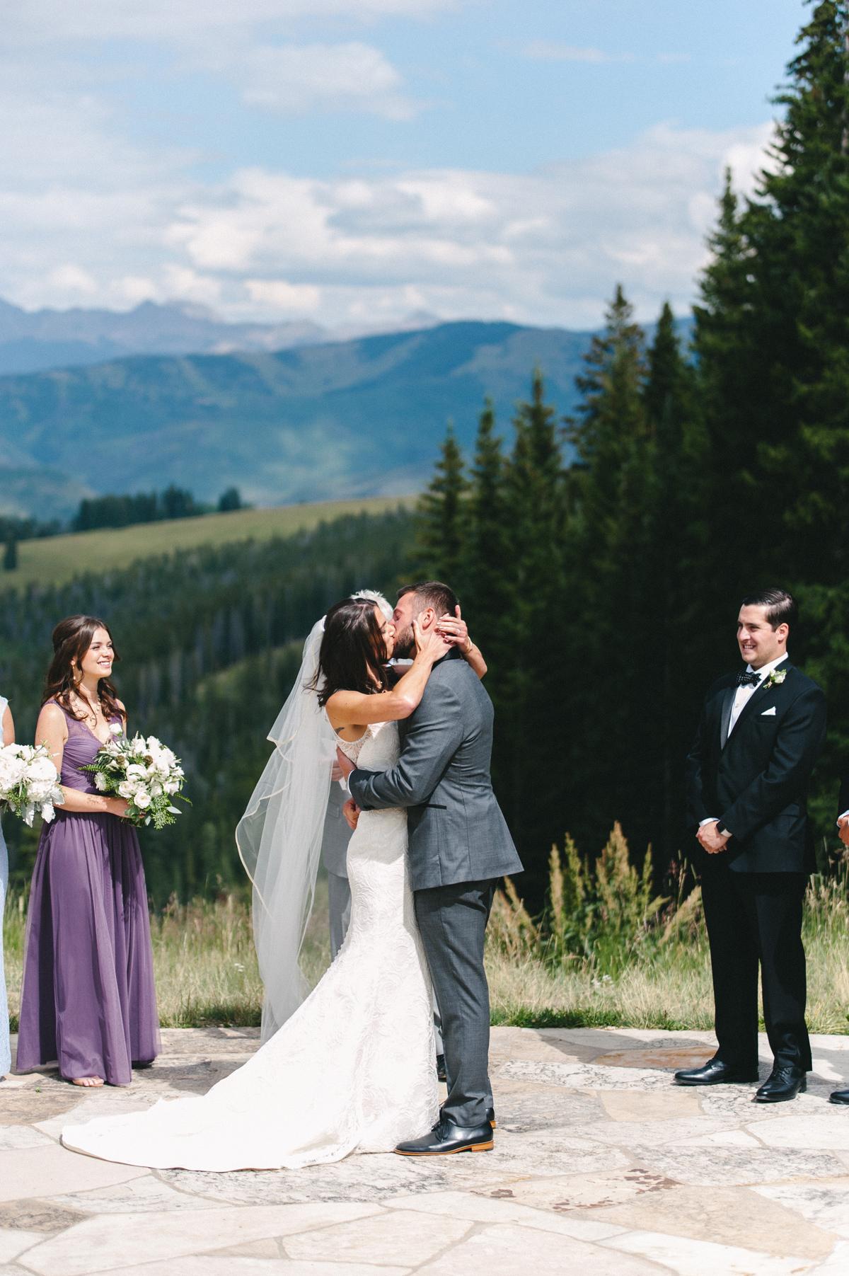 316-beaver-creek--mountain-top-wedding--first-kiss--epic.jpg