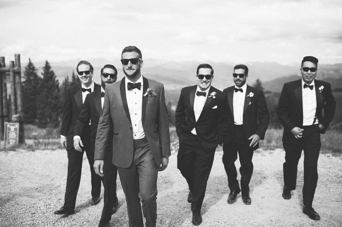 355-beaver-creek--groomsmen--mountain-top--portrait--black-and-white.jpg