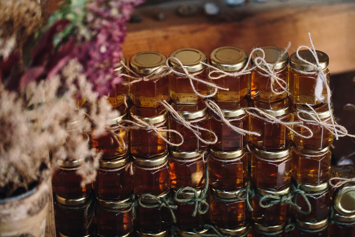 050-wedding-photography--rustic--intimate--farm--portland--maine--flannagan-farm.jpg