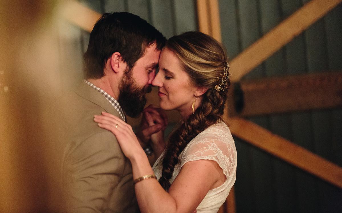 166-wedding-photography--rustic--intimate--farm--portland--maine--flannagan-farm.jpg
