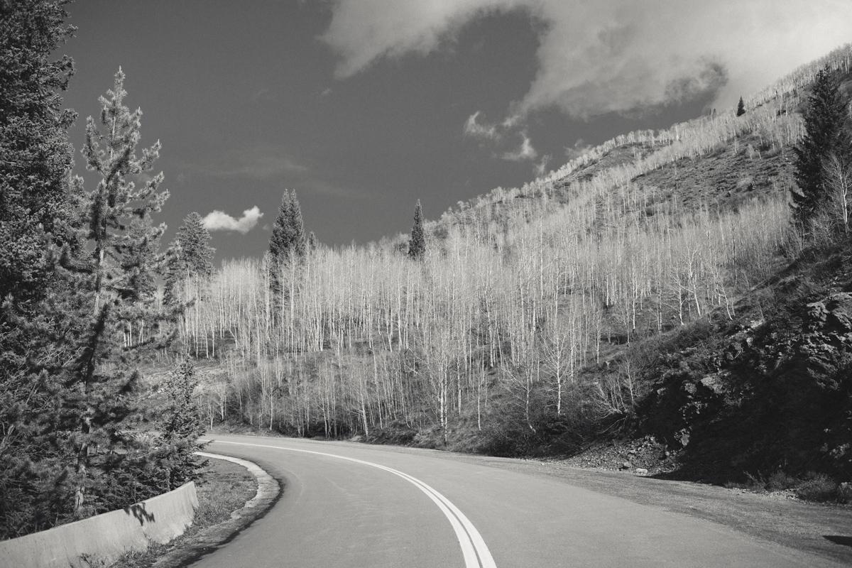 038-elopement--photography--colorado--mountain--vail--snow--intimate--wedding.jpg