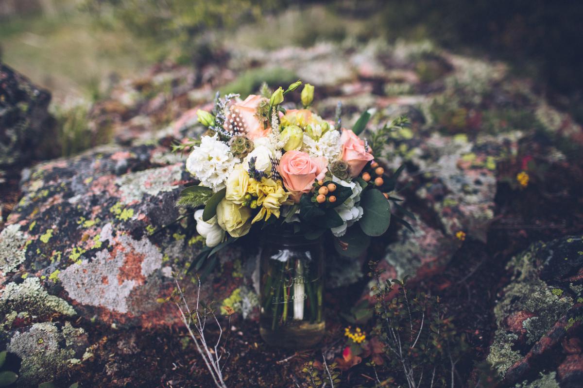 057-elopement--photography--colorado--mountain--vail--snow--intimate--wedding.jpg