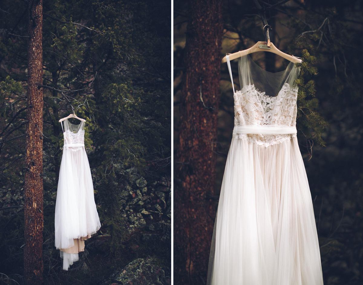 060-elopement--photography--colorado--mountain--vail--snow--intimate--wedding.jpg