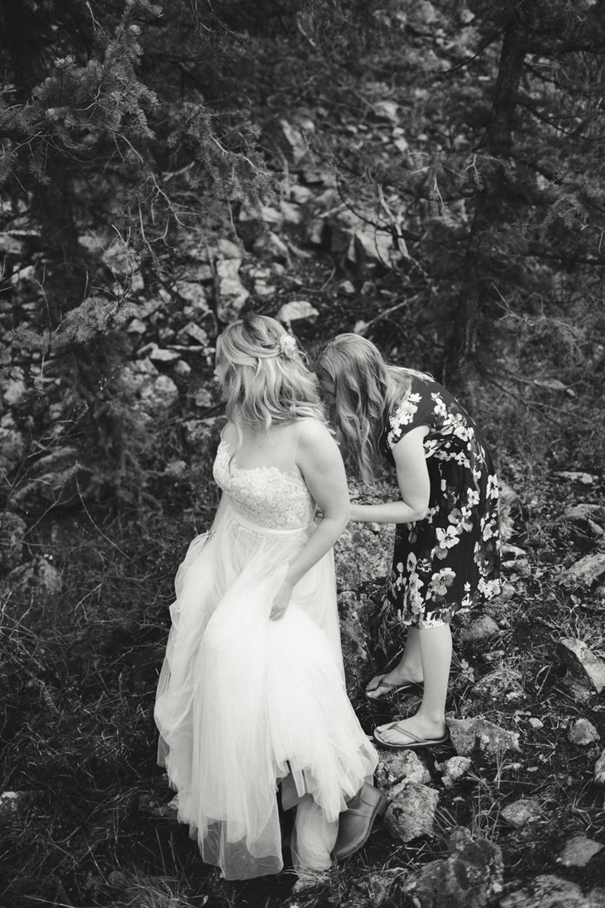061-elopement--photography--colorado--mountain--vail--snow--intimate--wedding.jpg