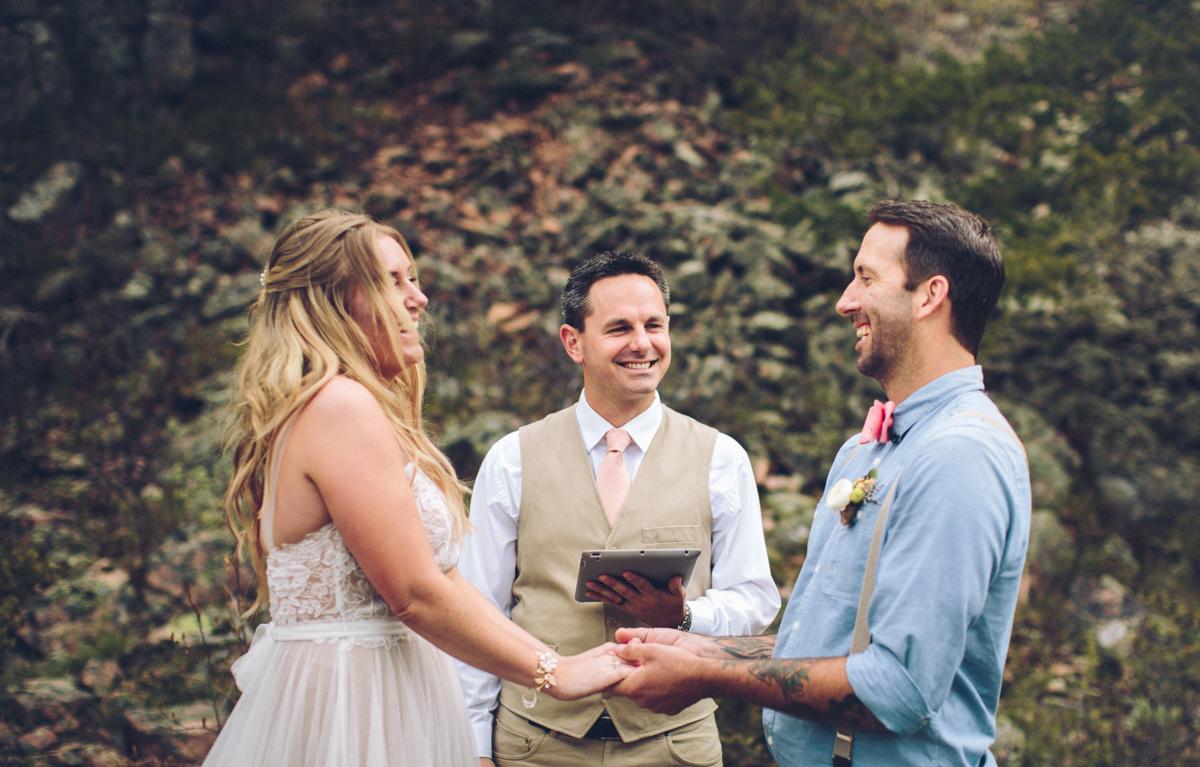 091-elopement--photography--colorado--mountain--vail--snow--intimate--wedding.jpg