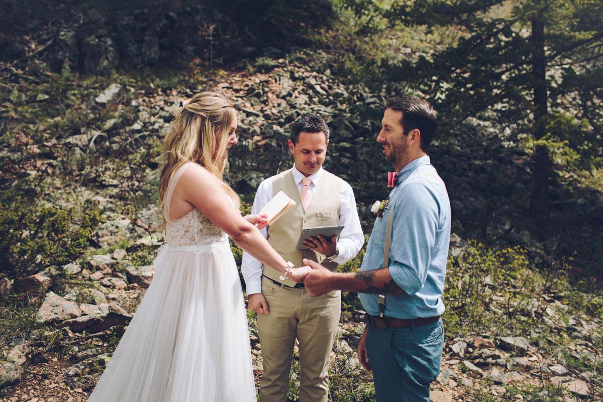 094-elopement--photography--colorado--mountain--vail--snow--intimate--wedding.jpg