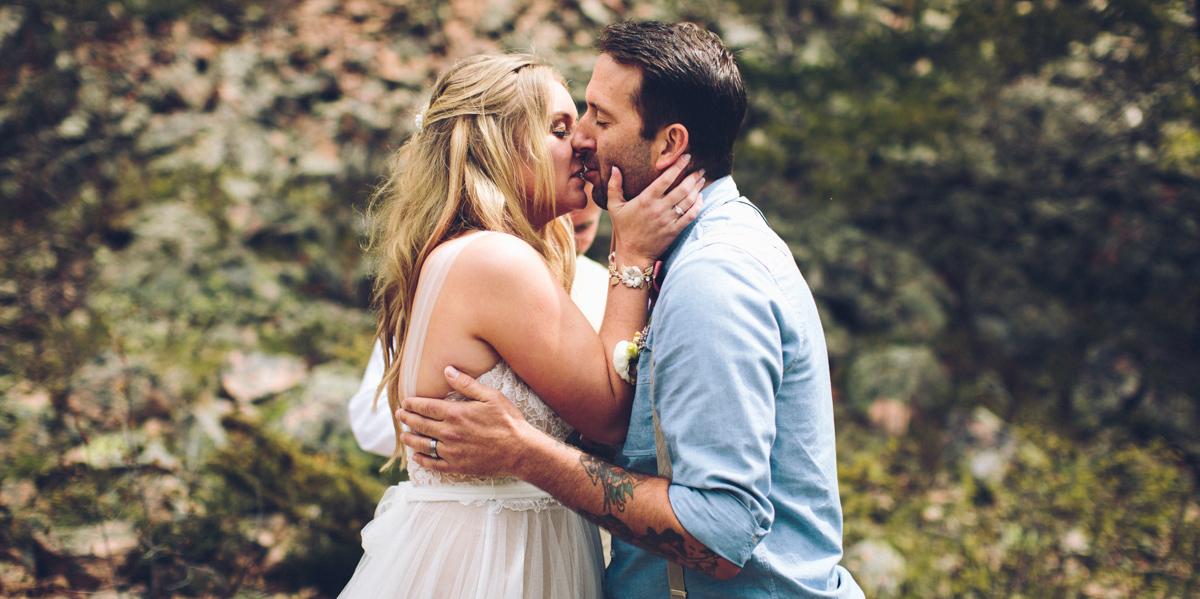 107-elopement--photography--colorado--mountain--vail--snow--intimate--wedding.jpg