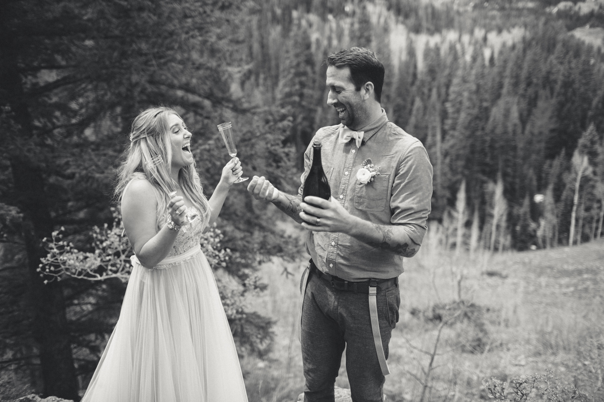 115-elopement--photography--colorado--mountain--vail--snow--intimate--wedding.jpg