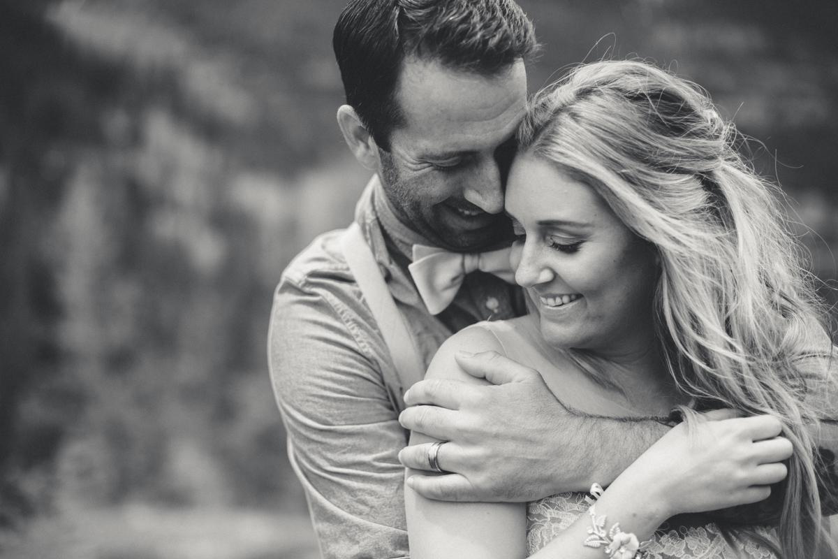 128-elopement--photography--colorado--mountain--vail--snow--intimate--wedding.jpg