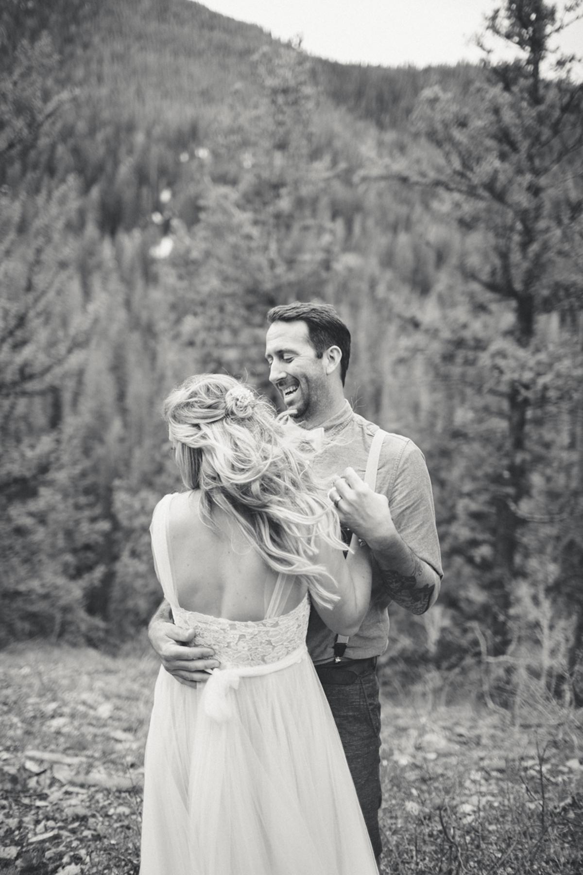 141-elopement--photography--colorado--mountain--vail--snow--intimate--wedding.jpg