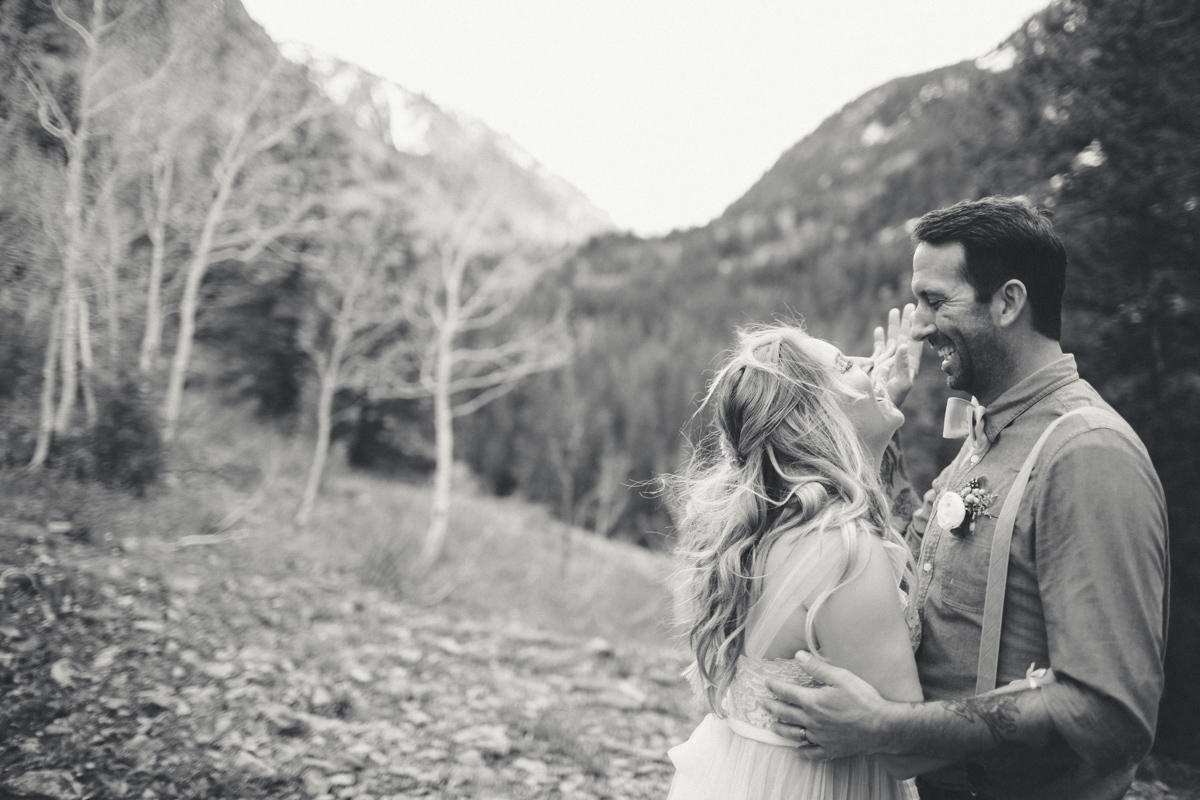 143-elopement--photography--colorado--mountain--vail--snow--intimate--wedding.jpg