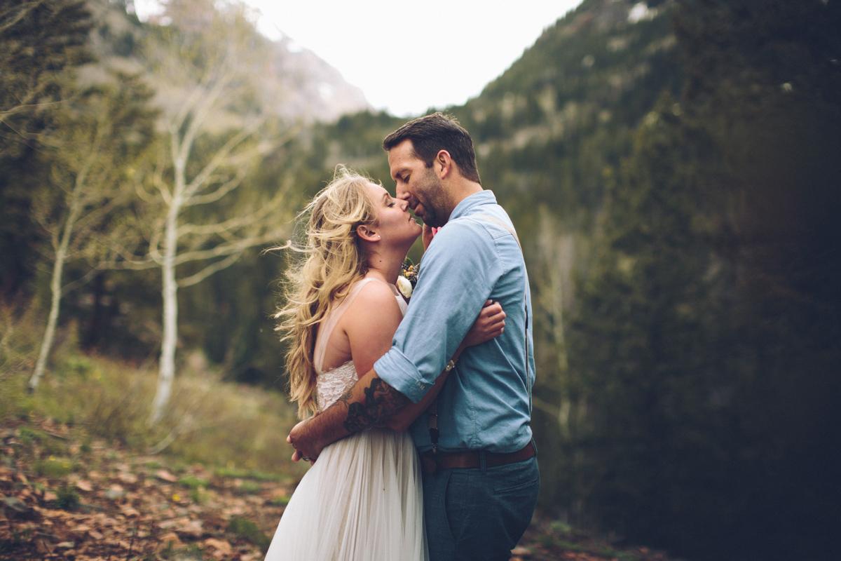 147-elopement--photography--colorado--mountain--vail--snow--intimate--wedding.jpg