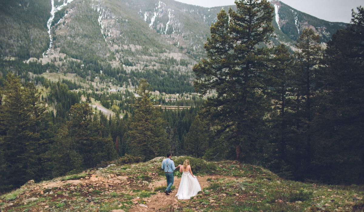 165-elopement--photography--colorado--mountain--vail--snow--intimate--wedding.jpg