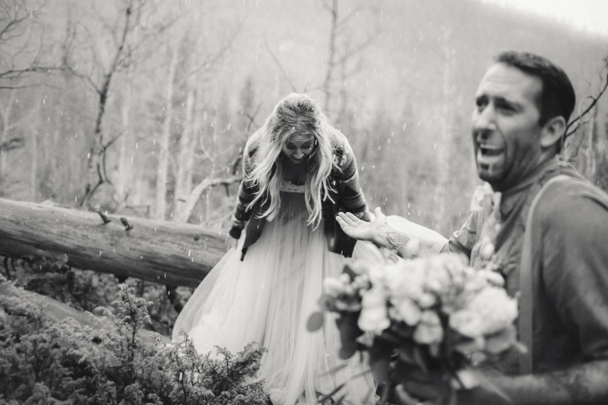 171-elopement--photography--colorado--mountain--vail--snow--intimate--wedding.jpg