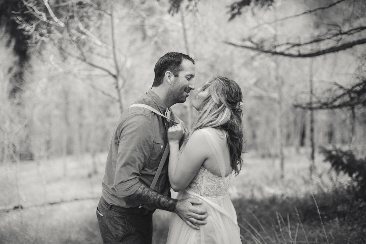 180-elopement--photography--colorado--mountain--vail--snow--intimate--wedding.jpg