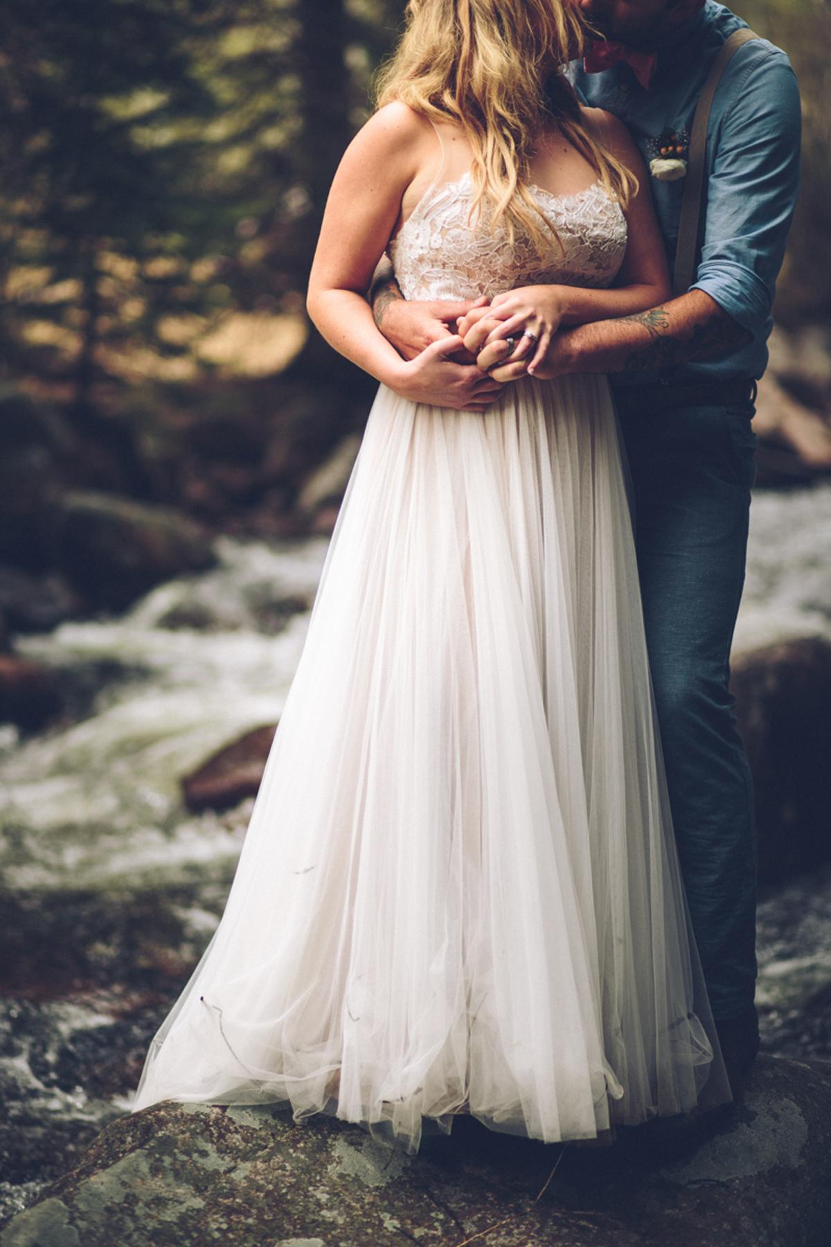 196-elopement--photography--colorado--mountain--vail--snow--intimate--wedding.jpg