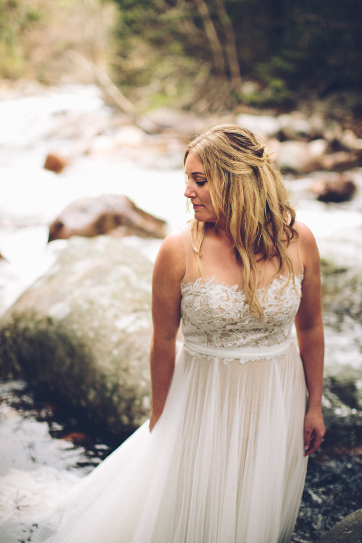197-elopement--photography--colorado--mountain--vail--snow--intimate--wedding.jpg