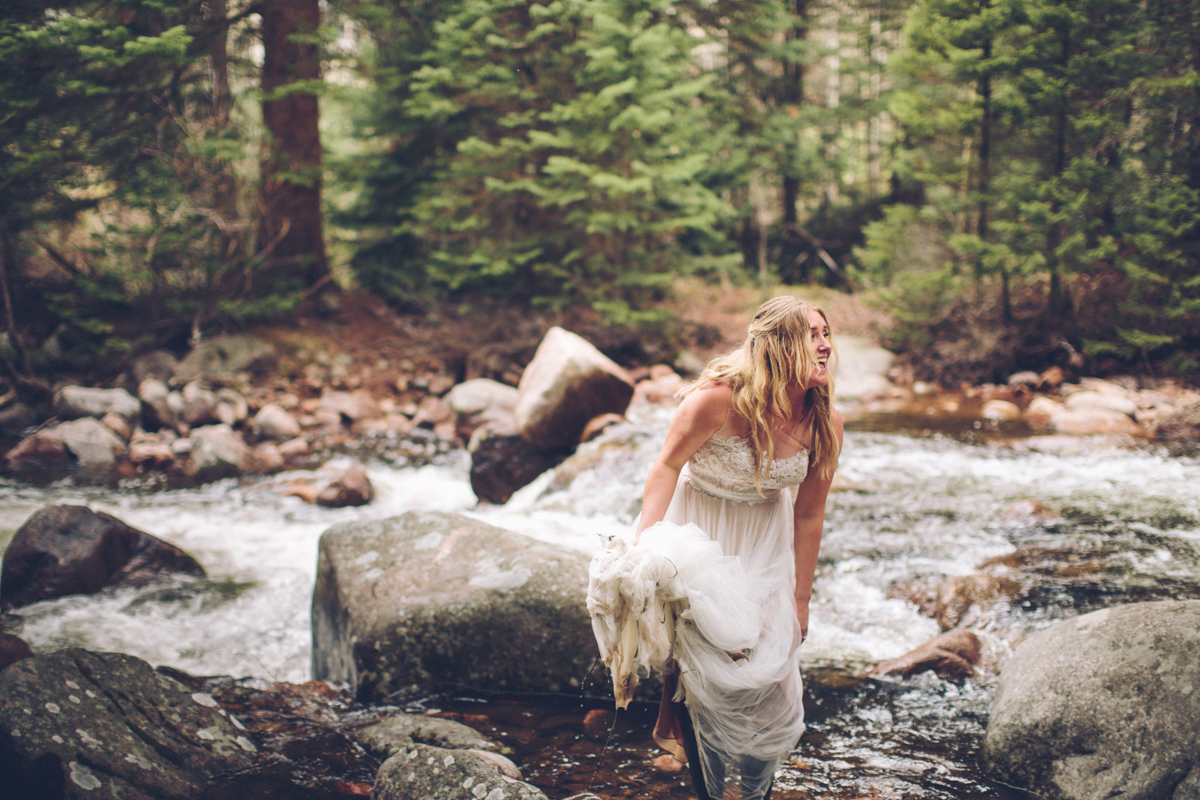 200-elopement--photography--colorado--mountain--vail--snow--intimate--wedding.jpg