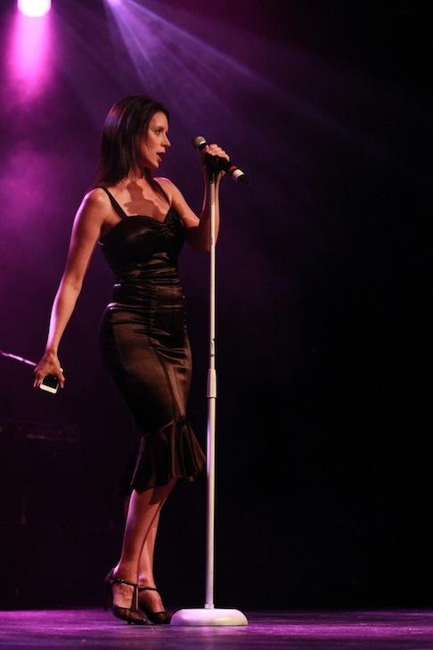 Cailin singing at the Jessie Richardson Theatre Awards. Photo by Gaelan Beatty.