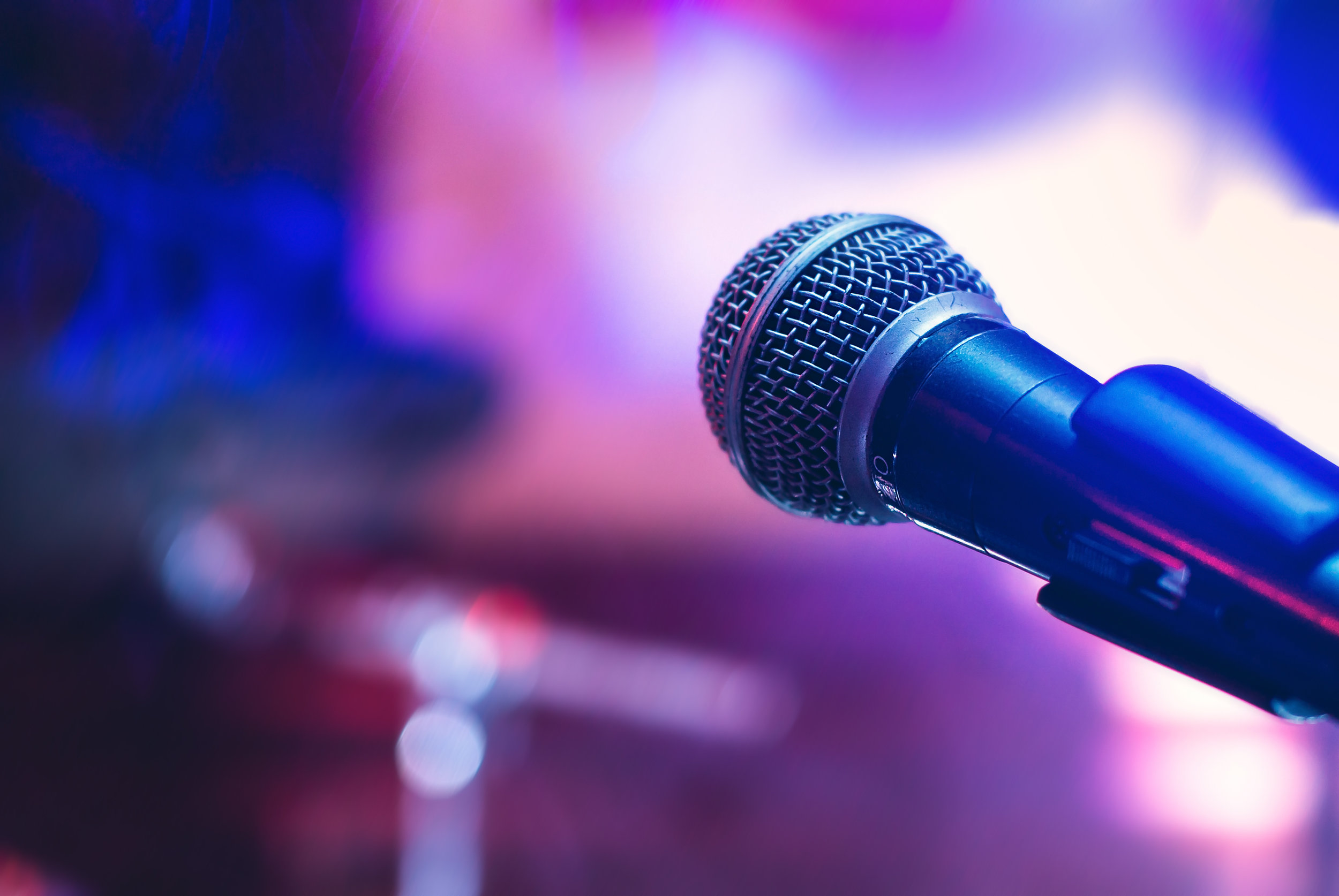 Band Lead Singer - A versatile vocalist (Male or Female) able to sing many popular styles including Rock/Pop/Soul/Country. Must be out-going, energetic and confident on stage. It will be up to you to get the party going and the dance floor moving.