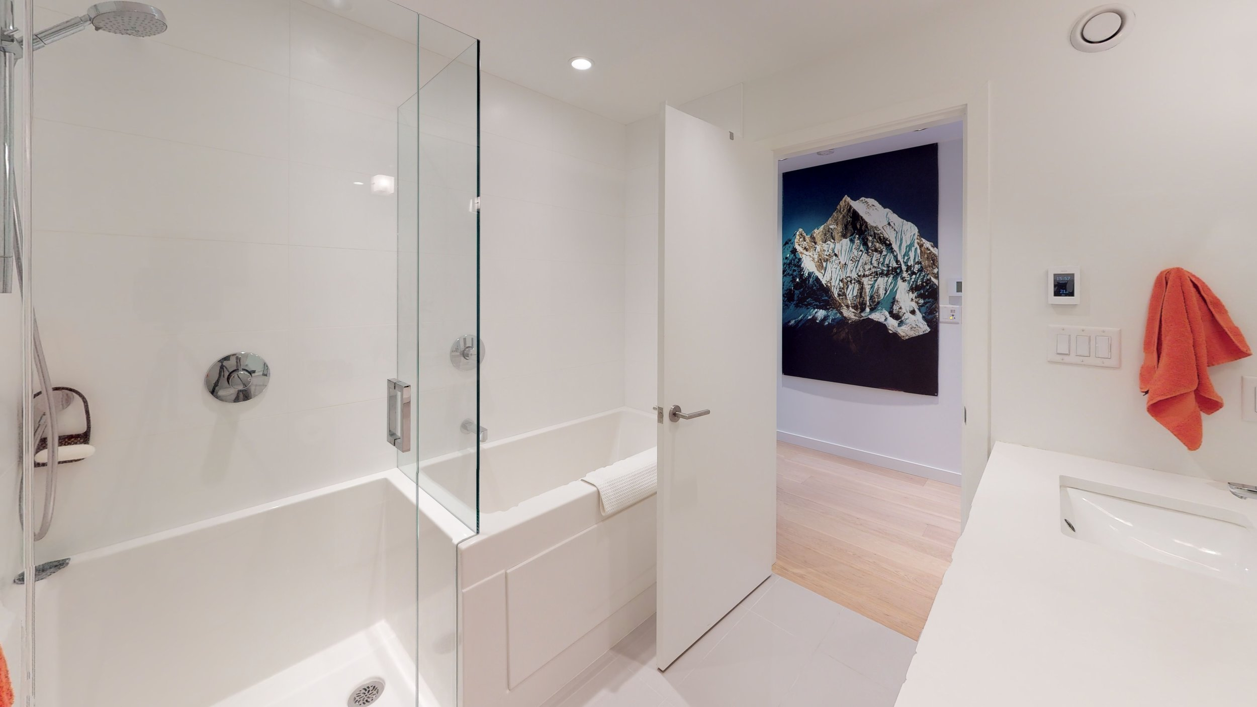 8 Bathroom 2.jpg