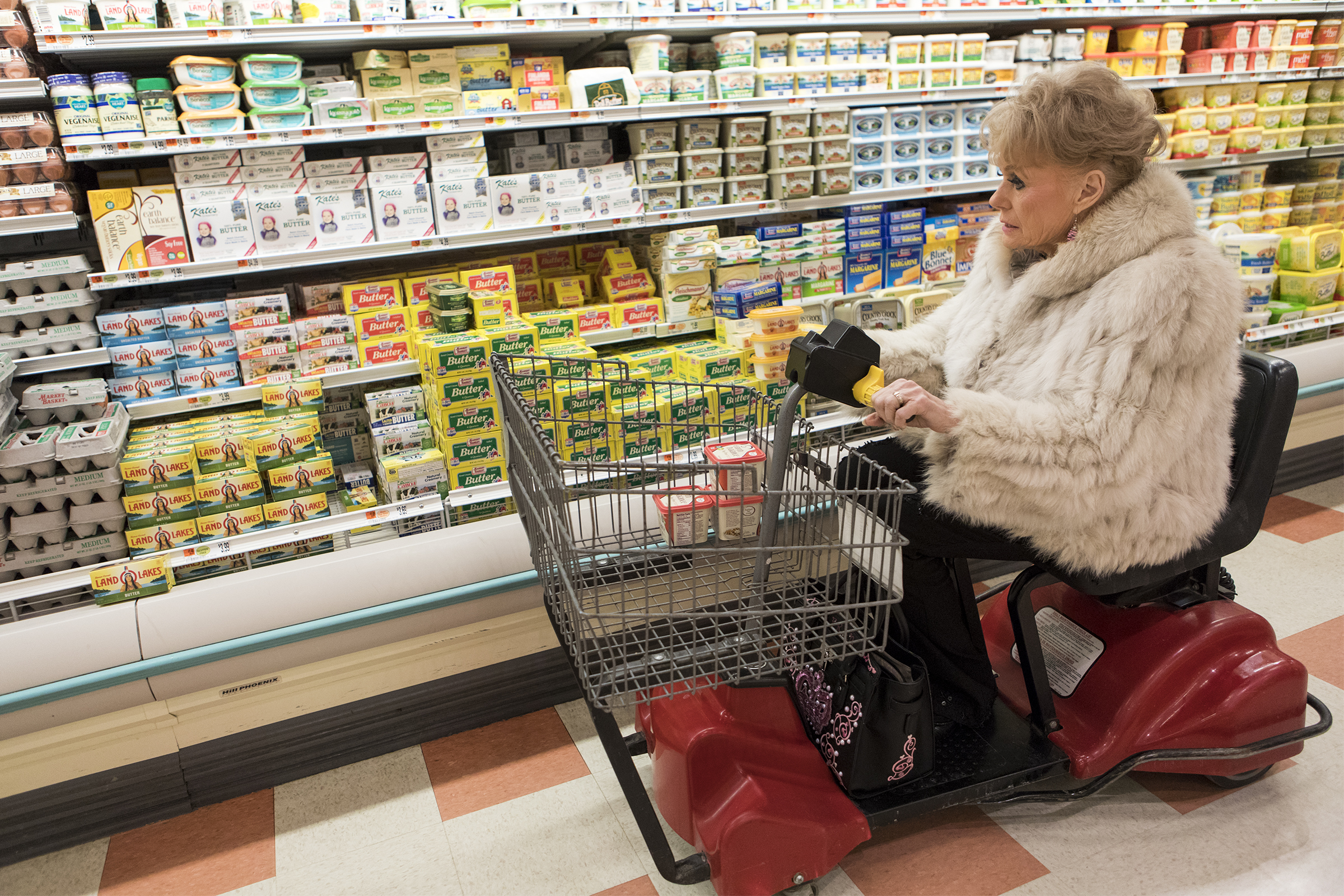 Fran Owens drives her shopping cart at Market Basket in Stoneham on January 14, 2019.