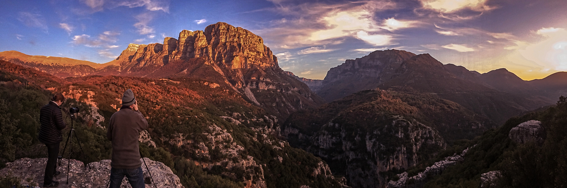 photographing mount tymfis during our landscape photography workshop to meteora & western pindos.