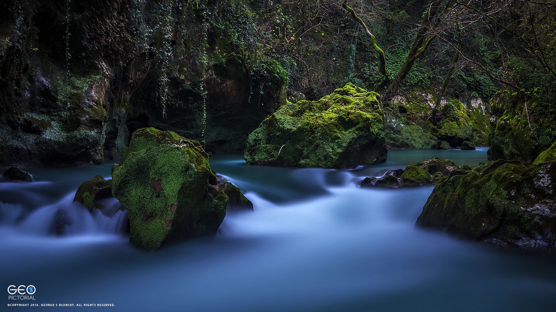 long exposure photography at a special and secret location during our landscape photography workshop to meteroa & western Pindos