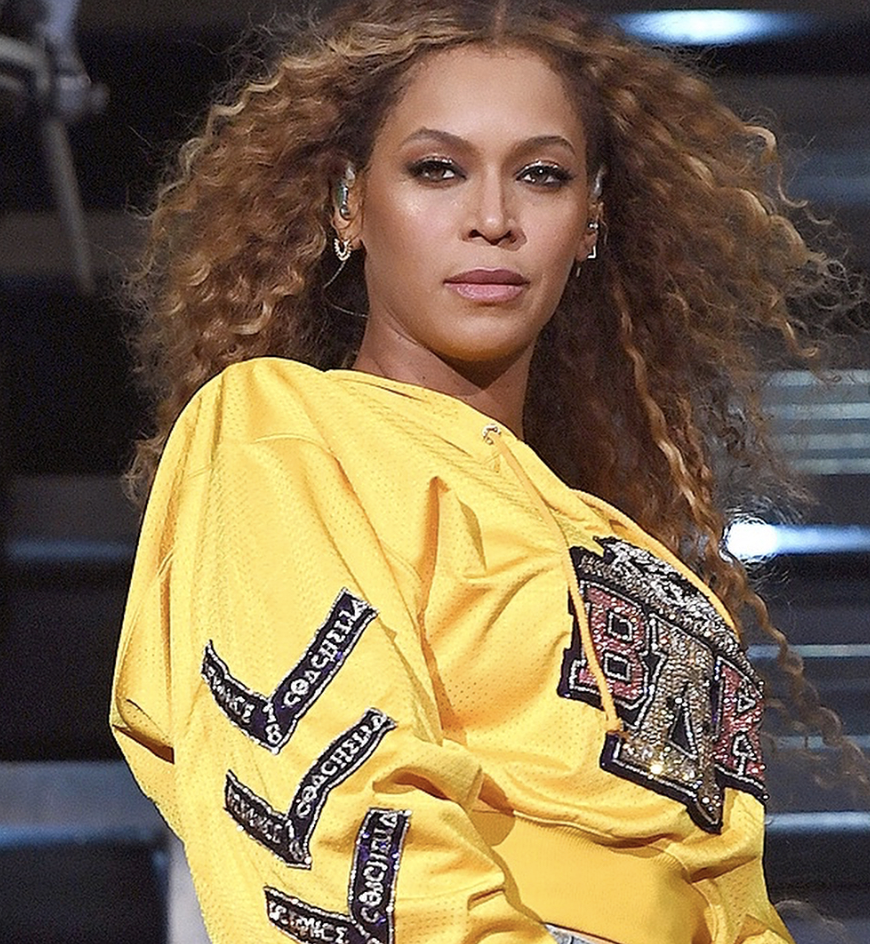 Beyoncé wearing Luv AJ's Cosmic Flare Studs Set during her Coachella performance