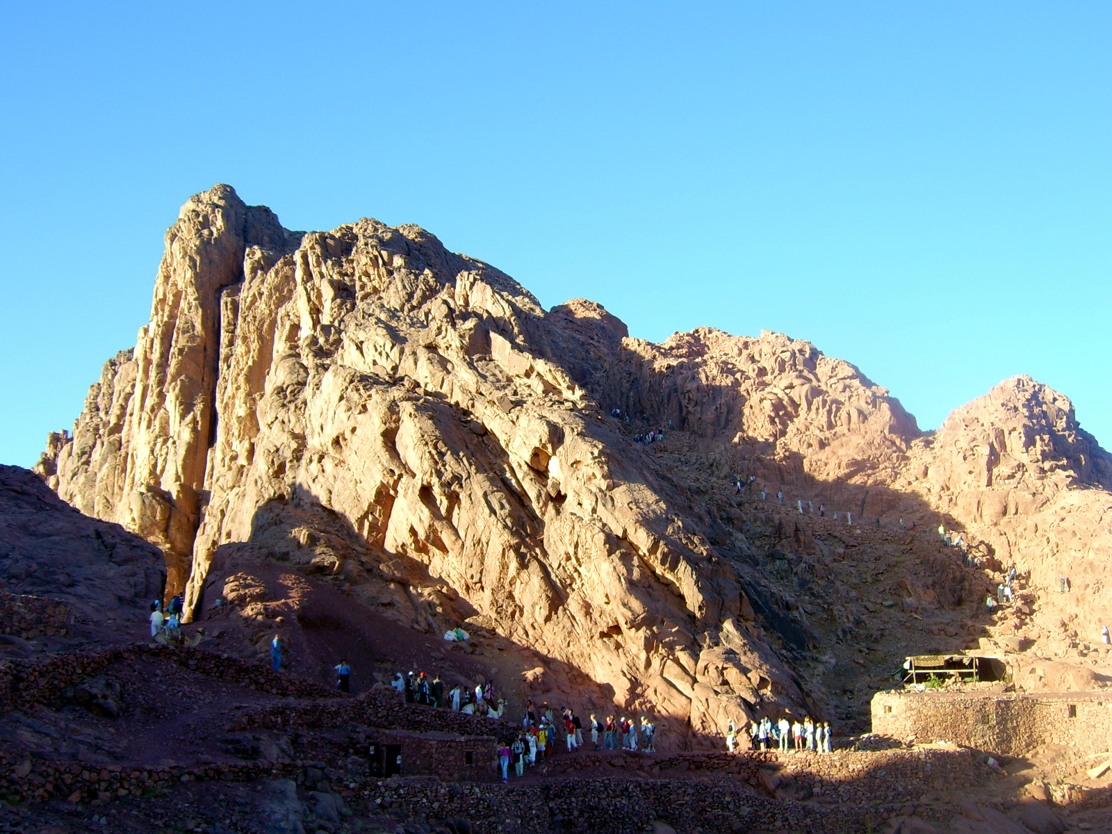 """Mount Sinai Egypt"""" by Original uploader was Tamerlan at pl.wikipedia - Transferred from pl.wikipedia. Licensed under Public domain via Wikimedia Commons."""
