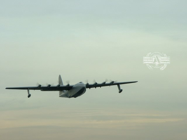Spruce_Goose_Flight_6.jpg
