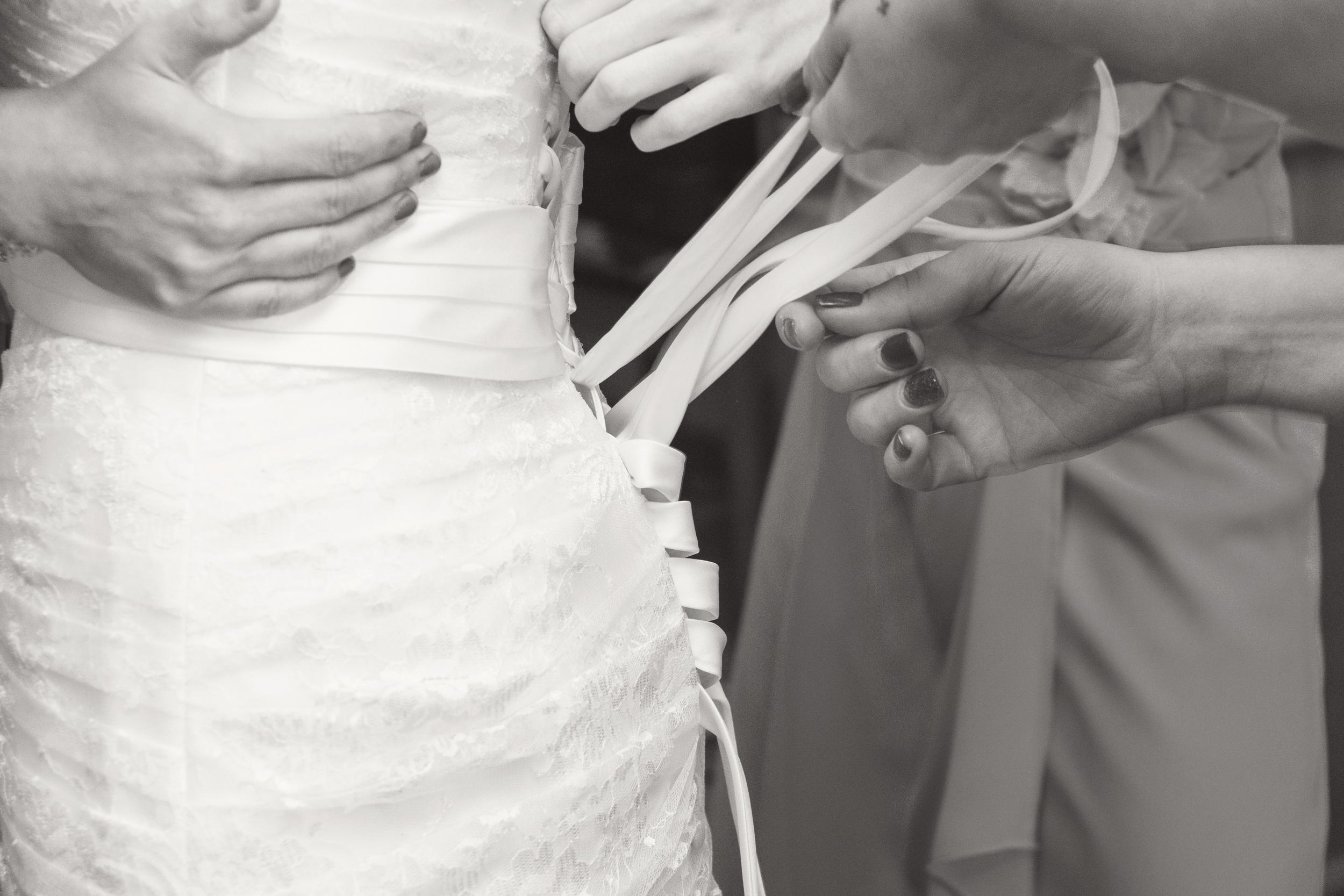 TJ_Wedding_021_bw.jpg