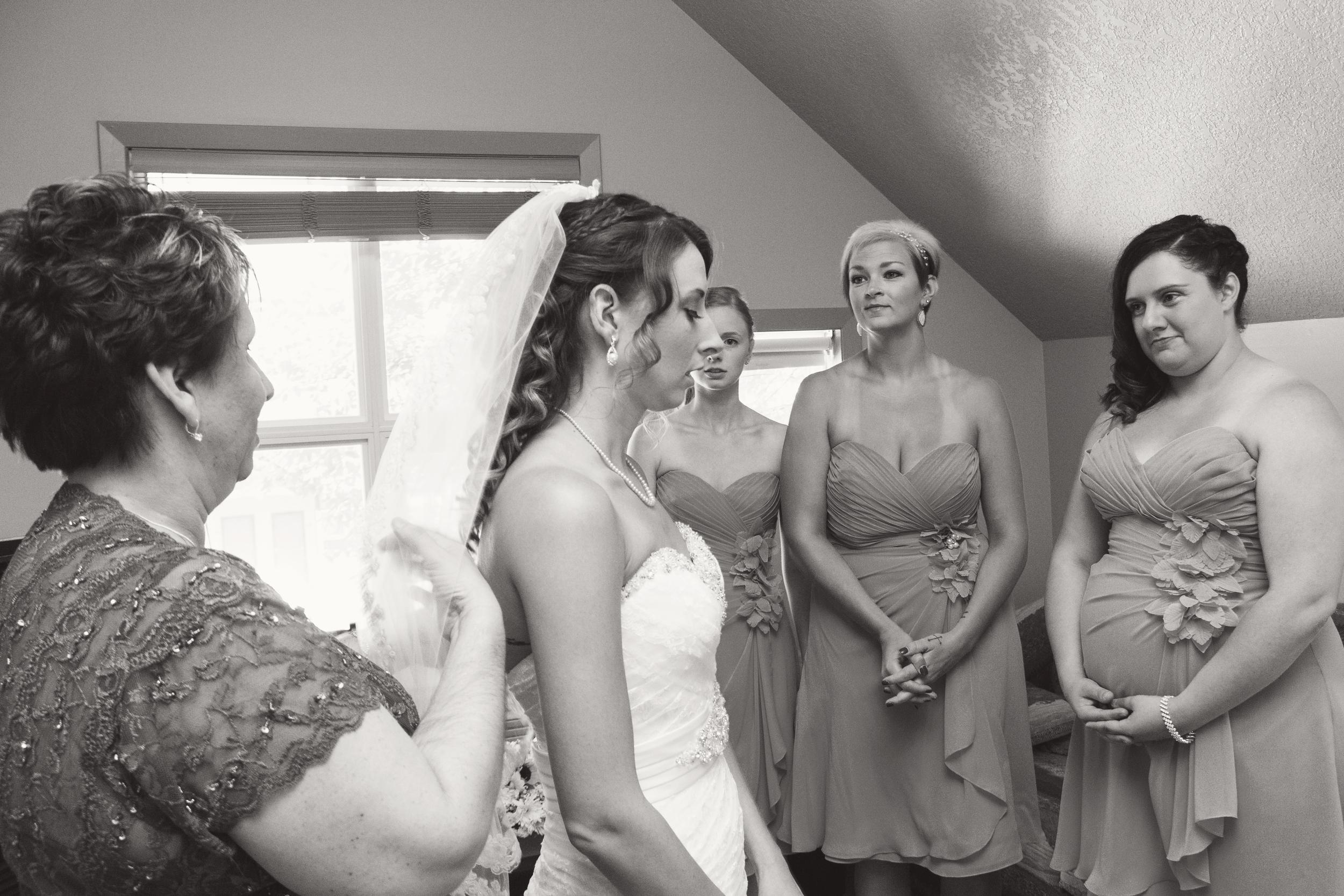 TJ_Wedding_031_bw.jpg