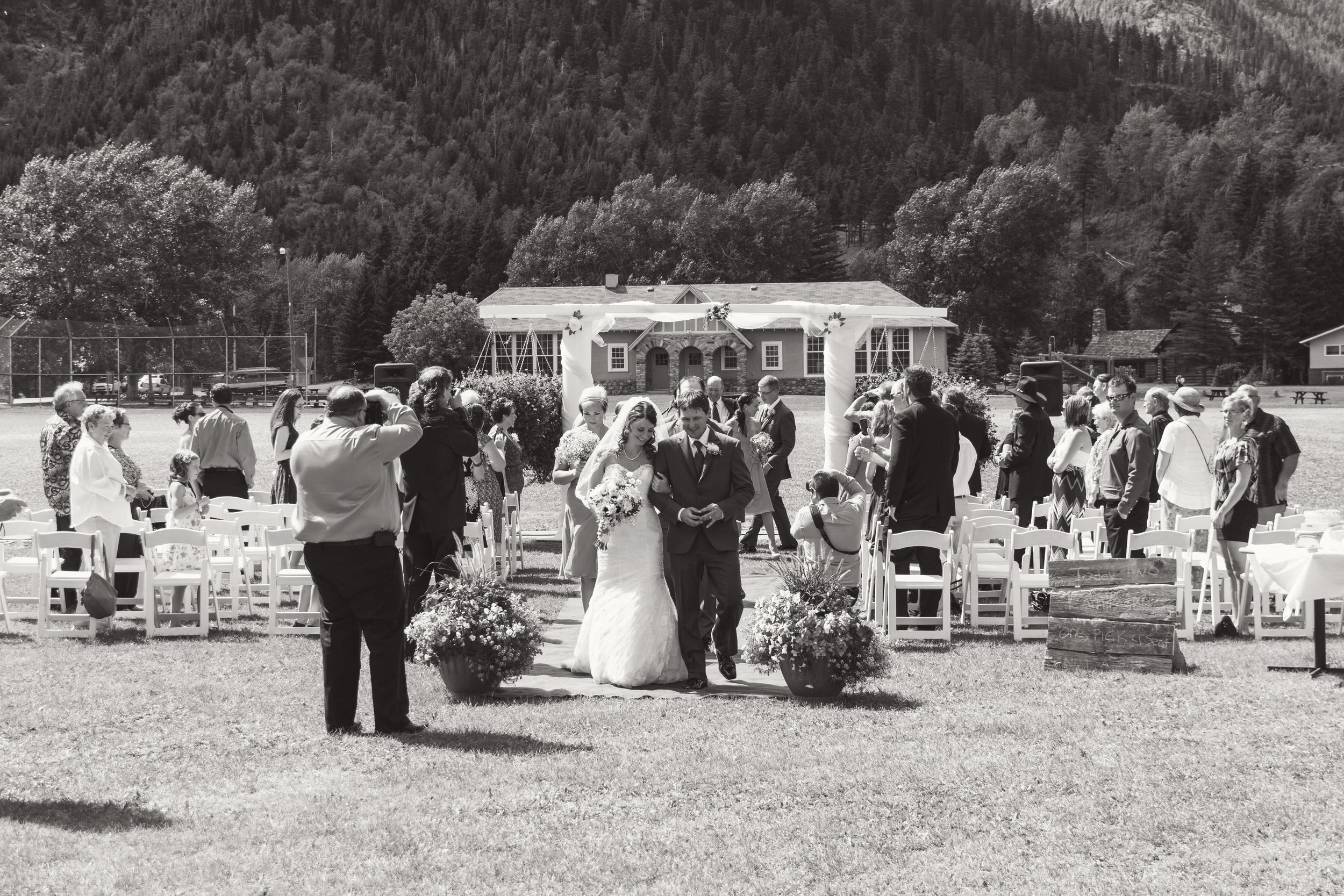 TJ_Wedding_237_bw.jpg