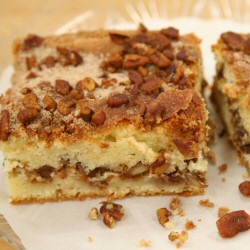Cinnamon Pecan Coffeecake